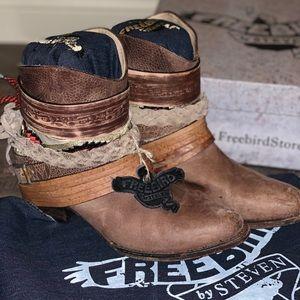 Freebird by Steven Mezcal boots size 9